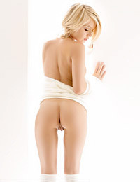 Erotica X - Glamour Softly She Moves