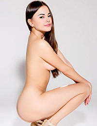 Watch 4 Beauty - Casting Li Moon